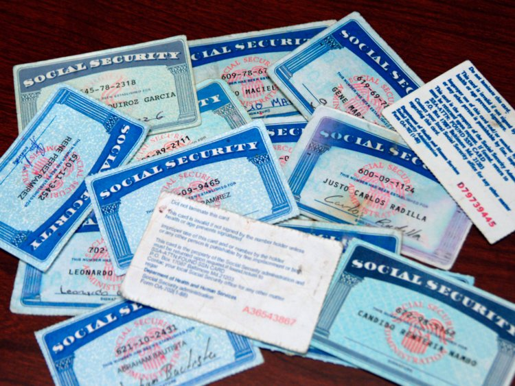 How You Can Get A Social Security Card When You Are Moving To The United States?